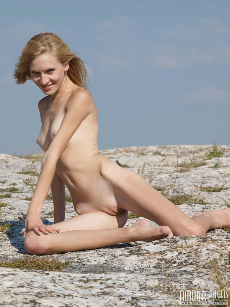 Super Thin Blonde Girl Eva Nude On The Beach - Skinnyhqcom-5055