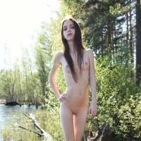 Flawless slim body of Lapa naked at the lake