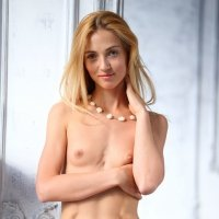 Sporty fit and thin Renata has this amazing nude belly