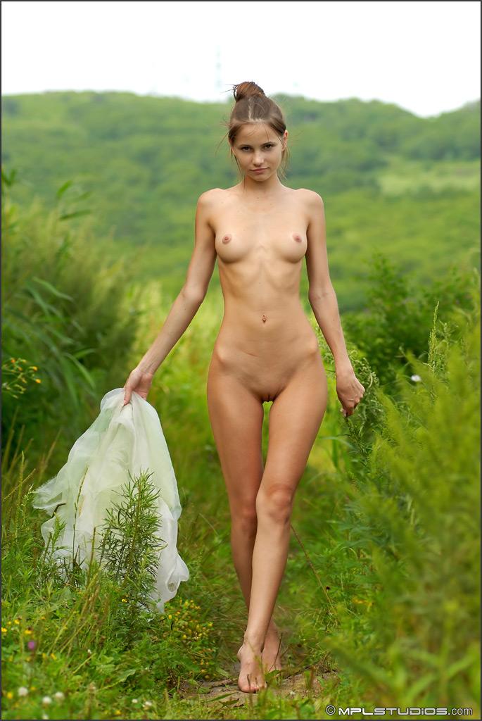 Nude skinny natural — photo 12