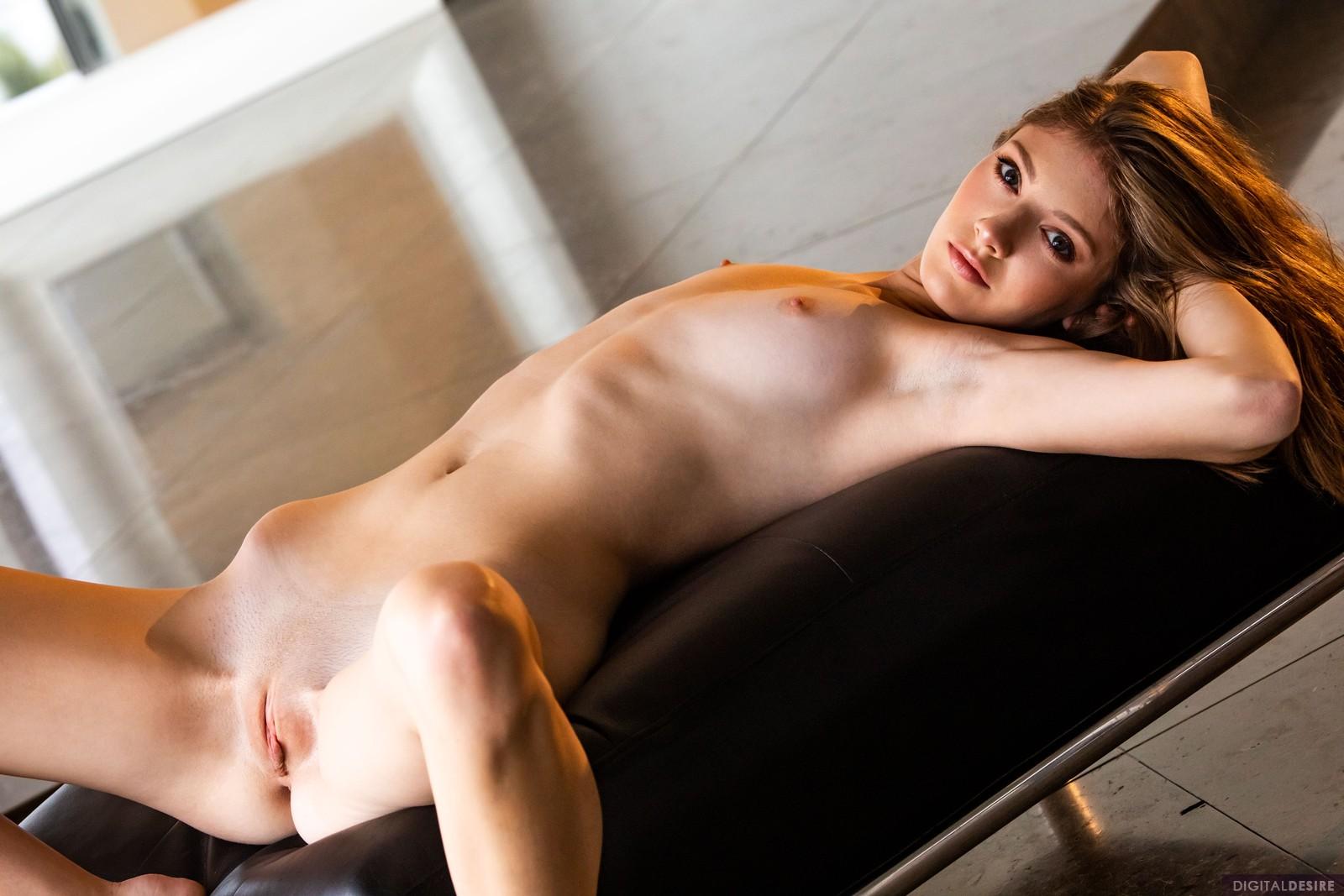 slim girl beauty nude